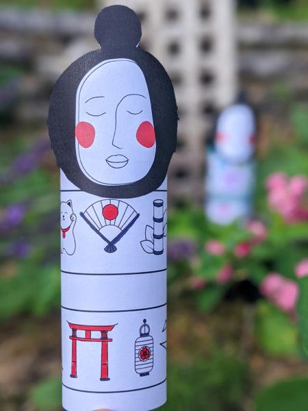 poupée japonaise kokeshi à imprimer et à colorier rouleau papier toilette tuto